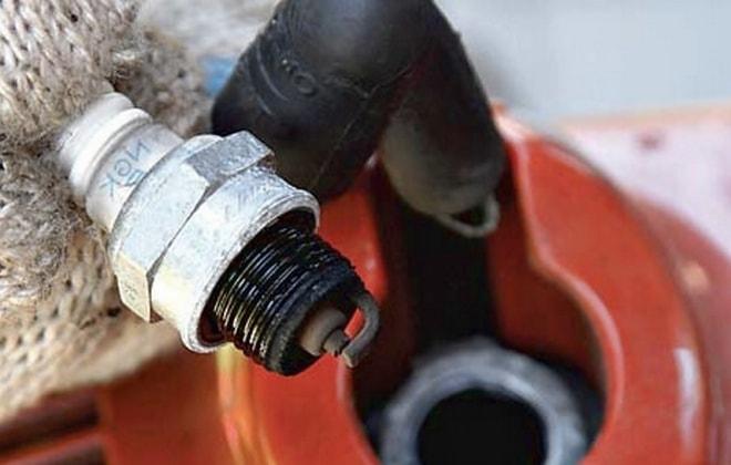 ✅ что делать, если заливает свечу на бензопиле, и ремонт - спецтехника52.рф