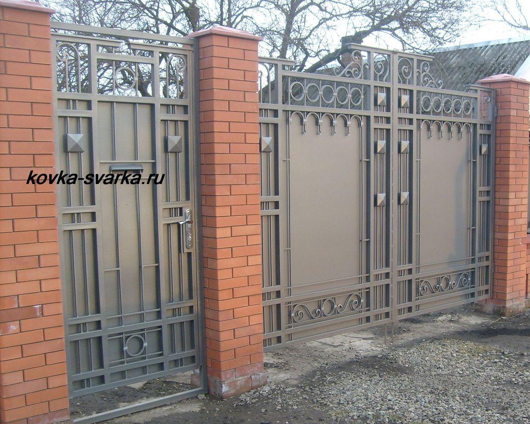 Ворота из профнастила (профлиста) с элементами ковки: фото кованых калиток