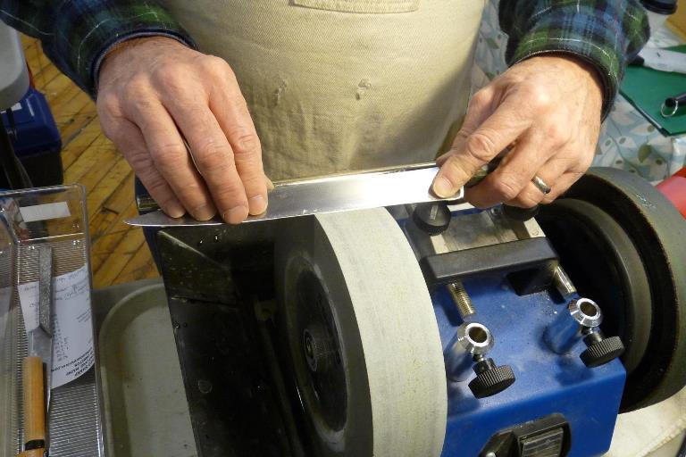 Как правильно наточить ножи в домашних условиях