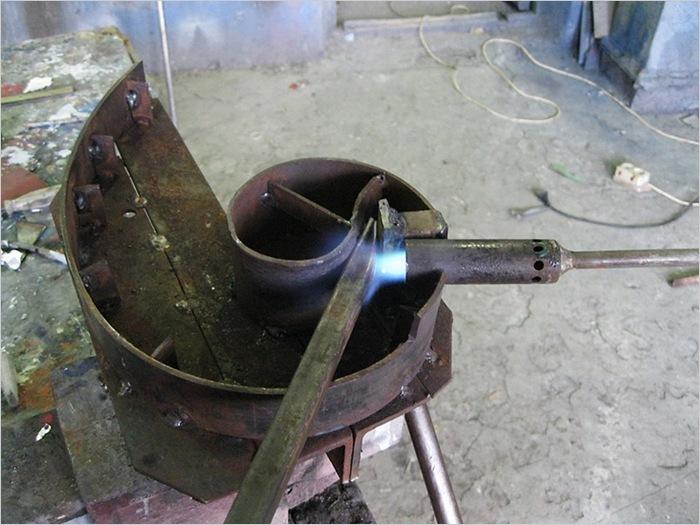 Как согнуть профильную трубу в домашних условиях с трубогибом и без для теплицы и козырька