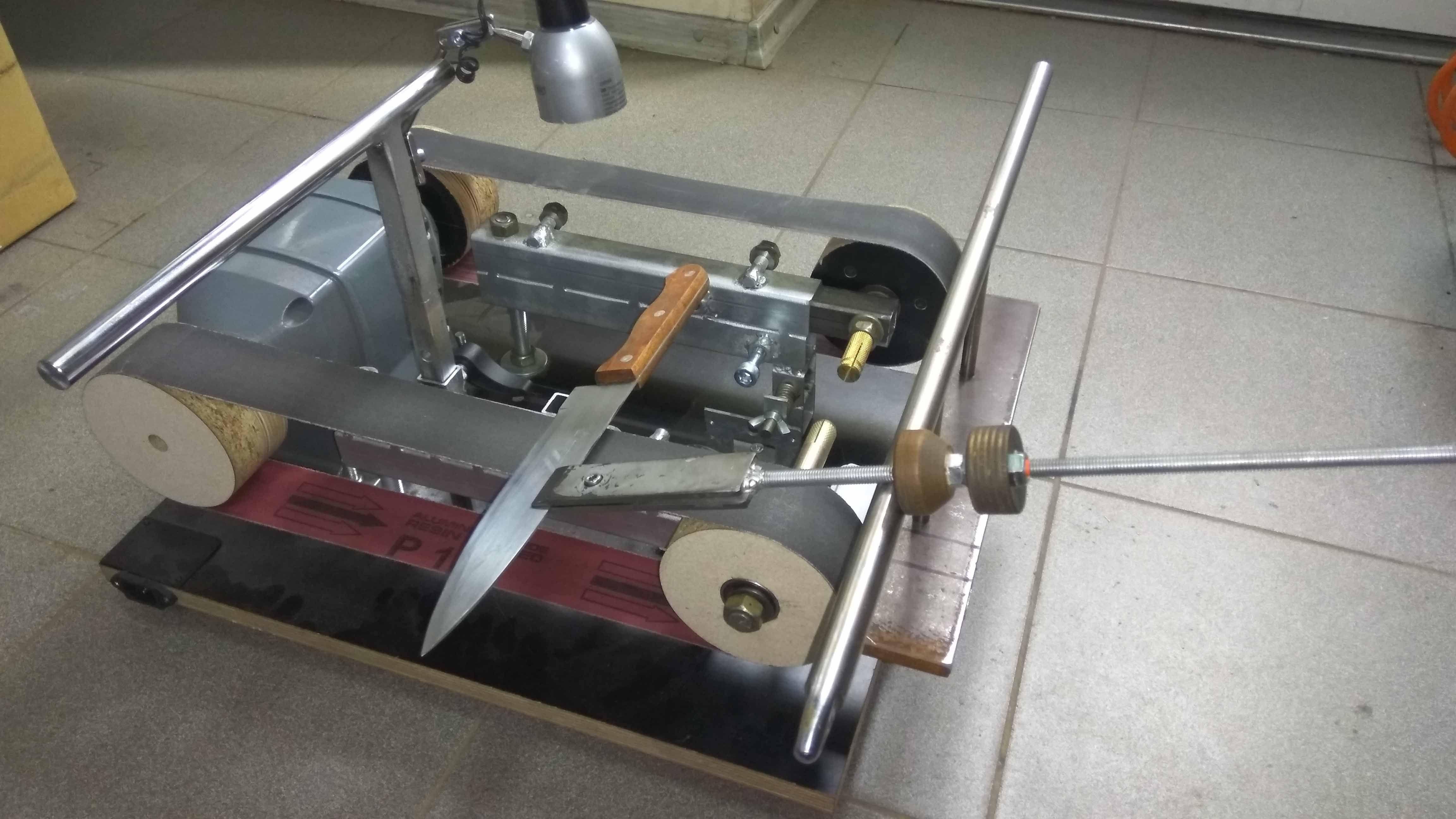 Ручной станок для заточки ножей и ножниц