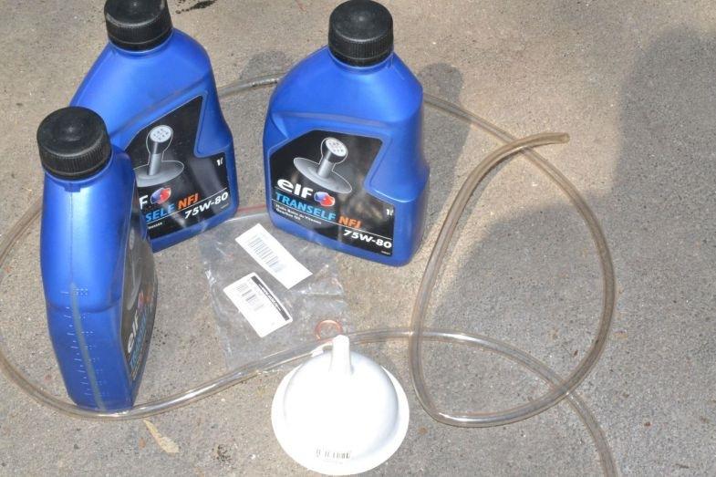 Как заменить масло в гидравлическом домкрате