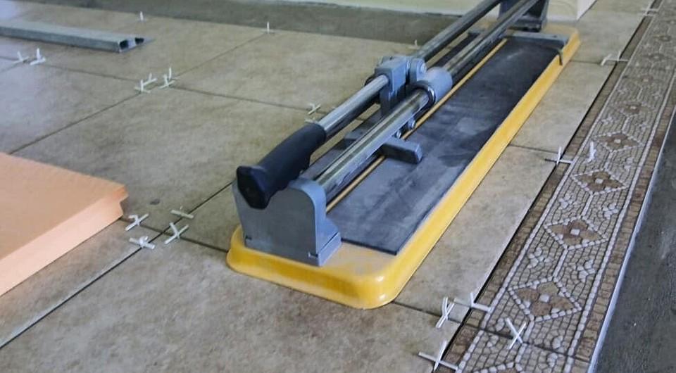 Как резать плитку болгаркой правильно – обзор технологии