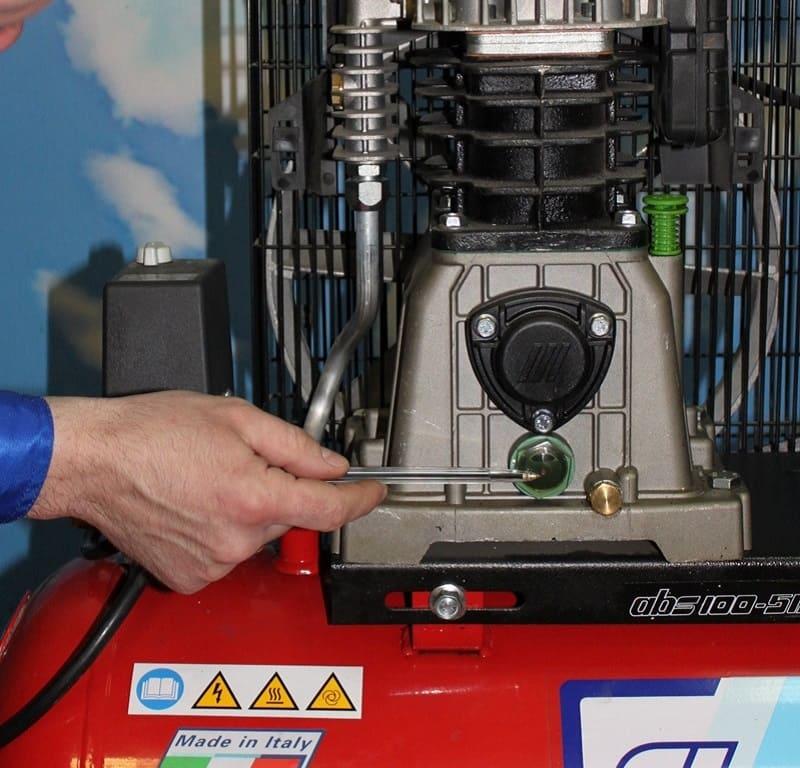 Замена масла в воздушном компрессоре