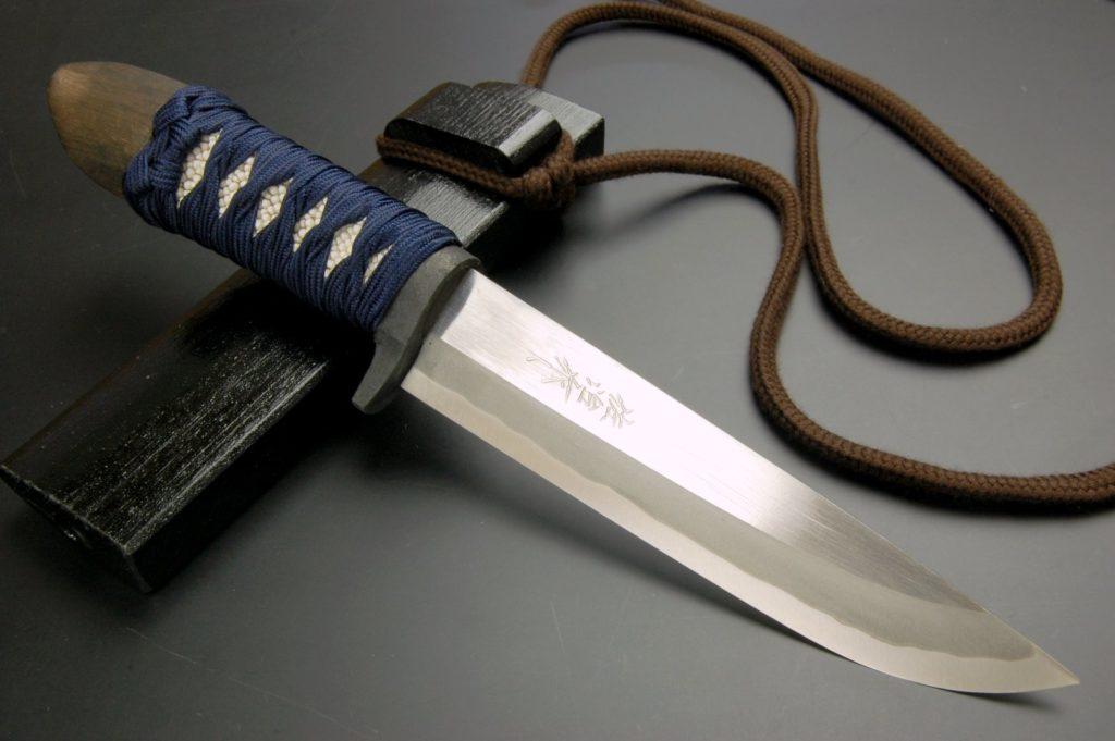 Какая сталь лучше для охотничьего ножа