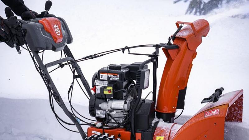 Снегоуборщик бензиновый husqvarna st261e технические характеристики, цена, отзывы владельцев