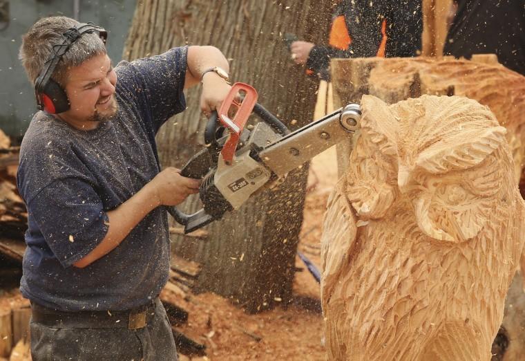 Резьба по дереву своими руками, с чего начать, примеры работ