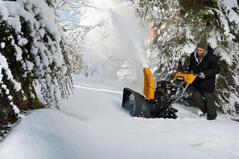 Топ-11 лучших снегоуборщиков бензиновых по надежности: рейтинг + советы по выбору