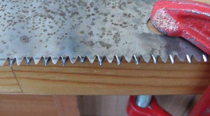 Как развести зубья у ножовки по дереву? - справочник по металлообработке и оборудованию