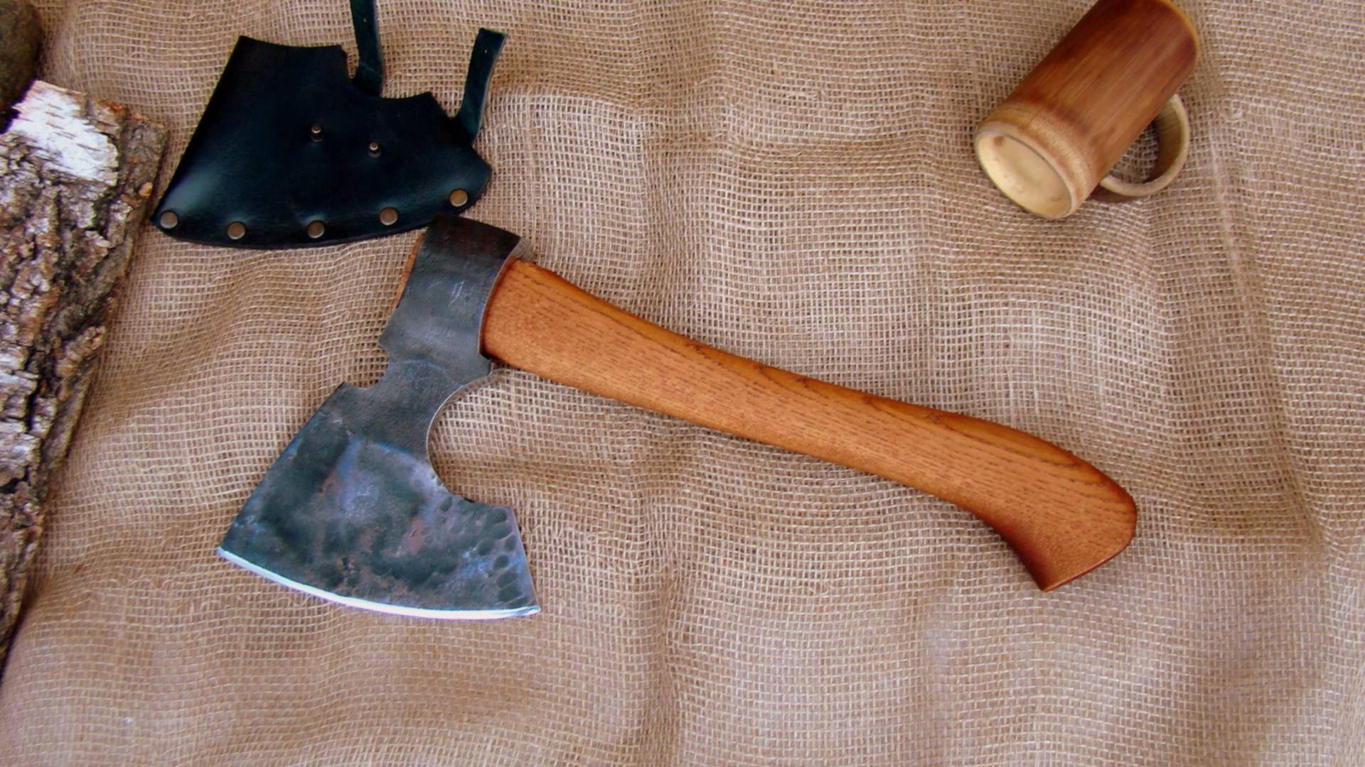 Изготовление легкого таежного топора своими руками