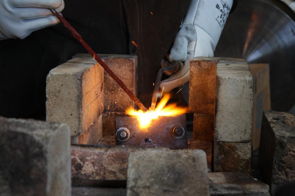 Газовая сварка чугуна. как сваривать чугун газовыми горелками?