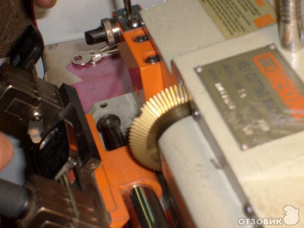 Станки для изготовления дубликатов ключей: wenxing, вертикальные, универсальные