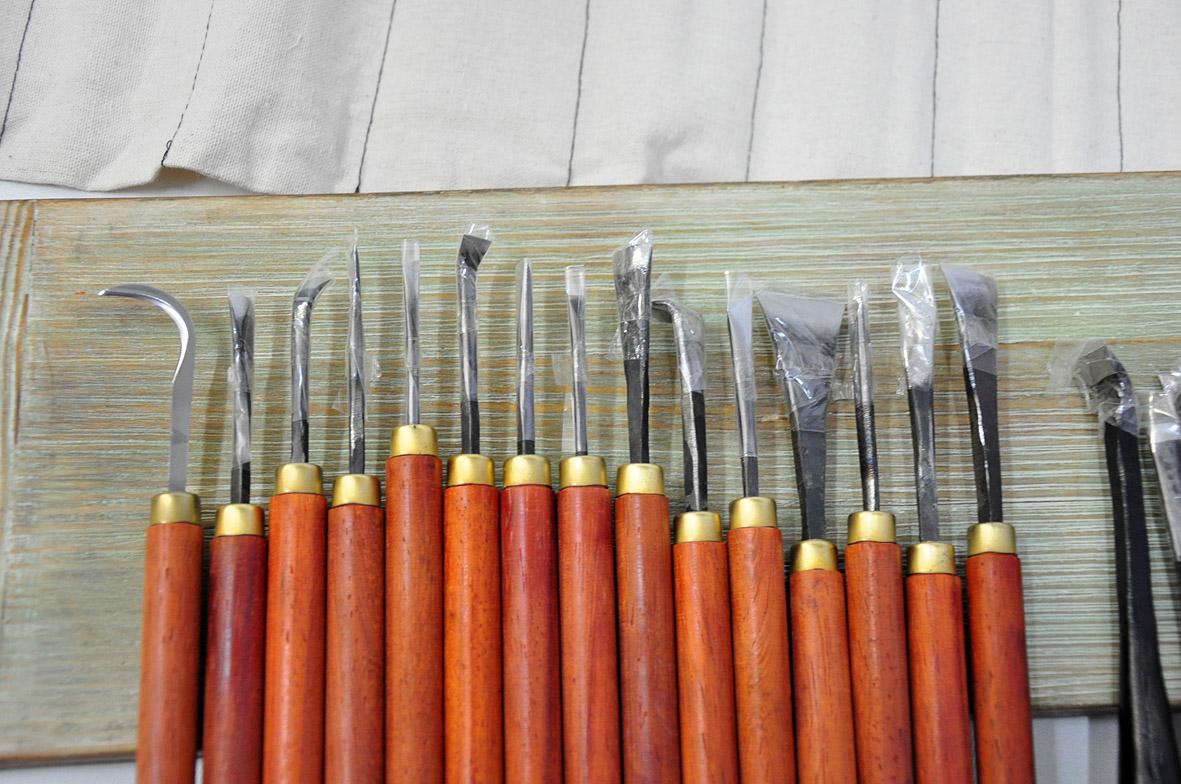Резьба по дереву для начинающих: виды резьбы, инструменты и материалы, рисунки и эскизы, фото и видео мастер-классы | крестик