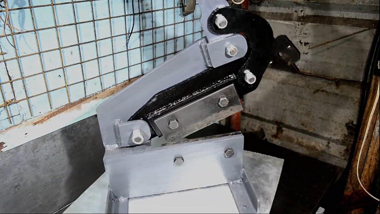 Основные виды и характеристики гильотинных ножниц