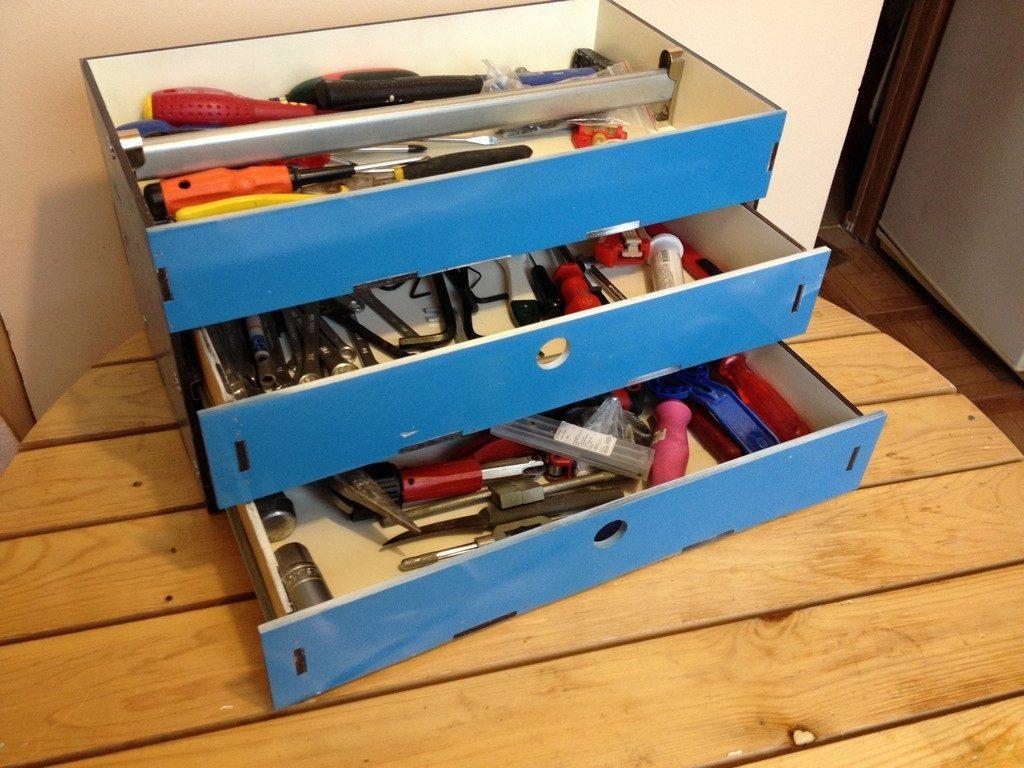 Ящик под инструменты, сделанный своими руками из дерева или фанеры
