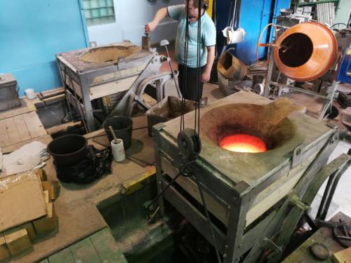 Как сделать тигельную печь для плавки алюминия?