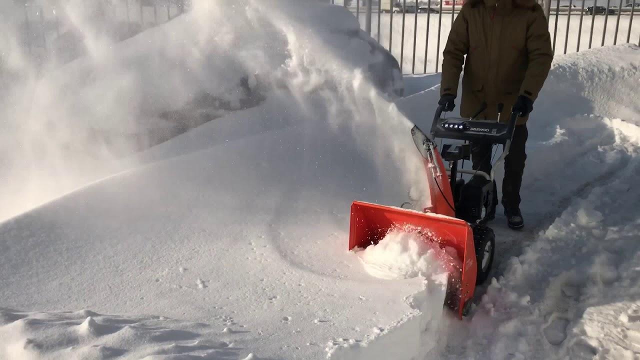 Топ 8 бензиновых самоходных снегоуборщиков 2020-2021: рейтинг лучших