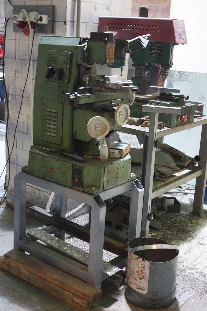 Настольный фрезерный станок нгф-110 для обучения школьников и его улучшенные модели