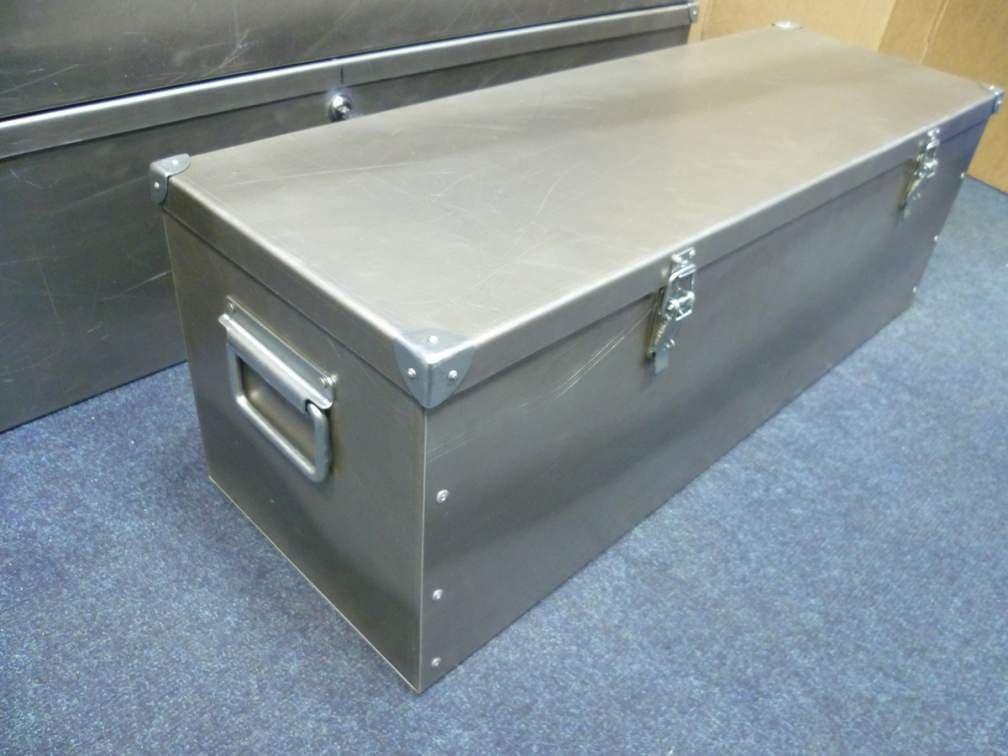 Большие возможности компактного шкафа. проект настенного ящика для инструментов