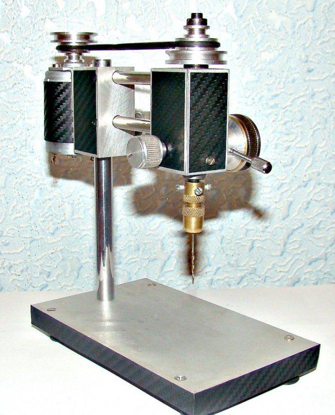 Сверлильный станок для печатных плат на базе механизмов дисковых приводов