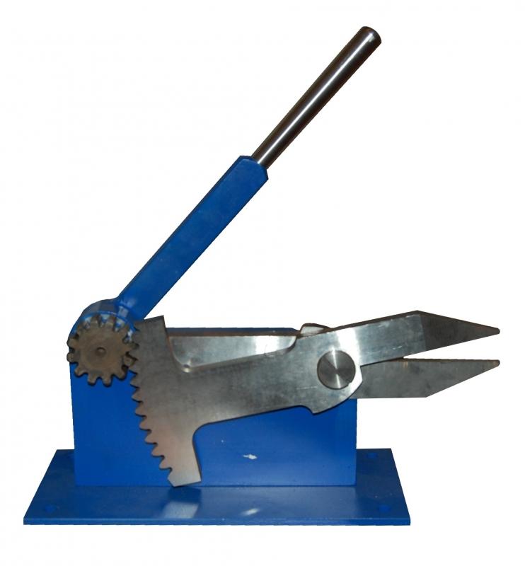 Виды ножниц для резки металла и металлочерепицы: выбор профессиональных инструментов и лучших производителей