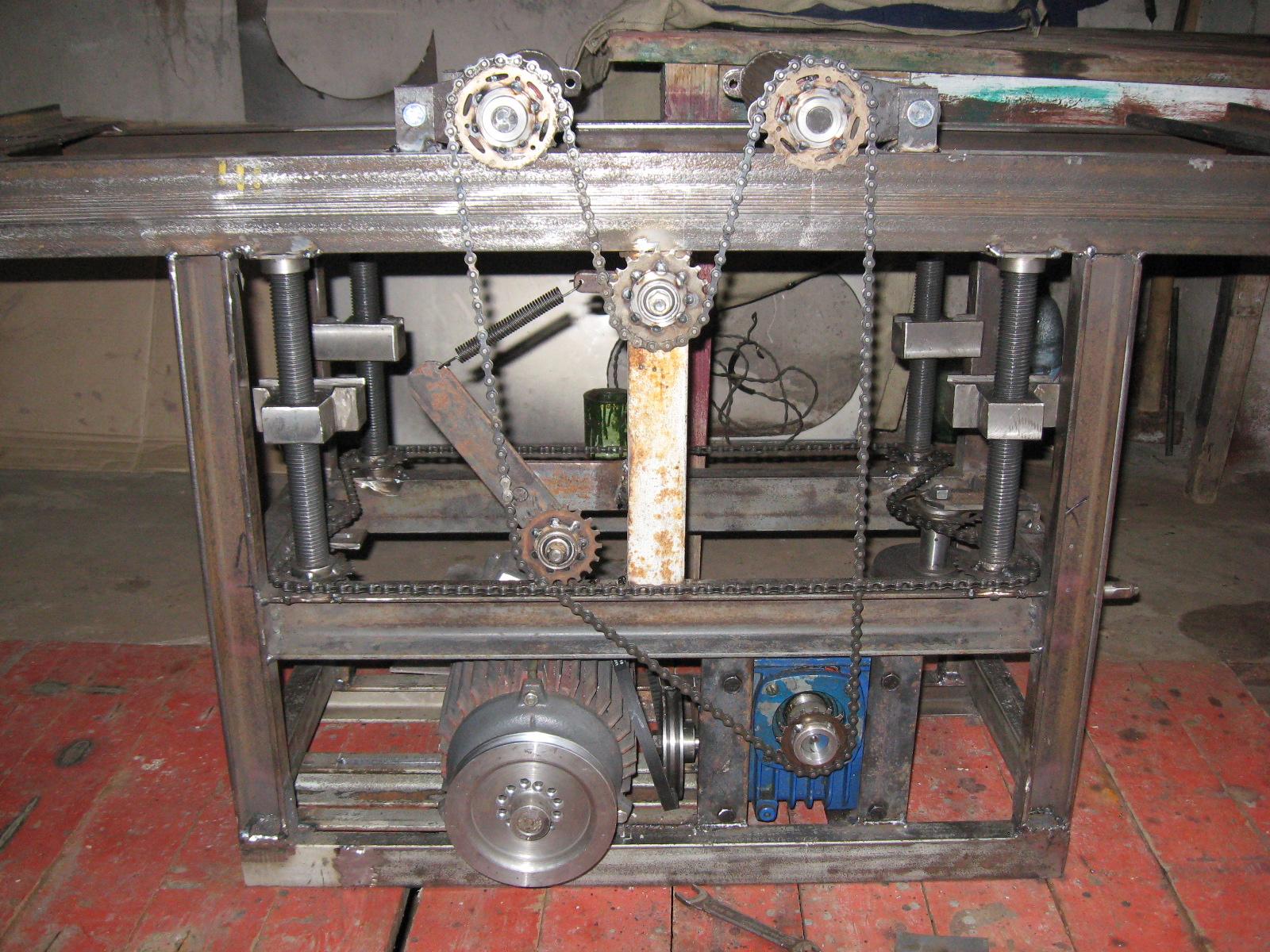 Самодельный рейсмусовый станок из электрорубанка
