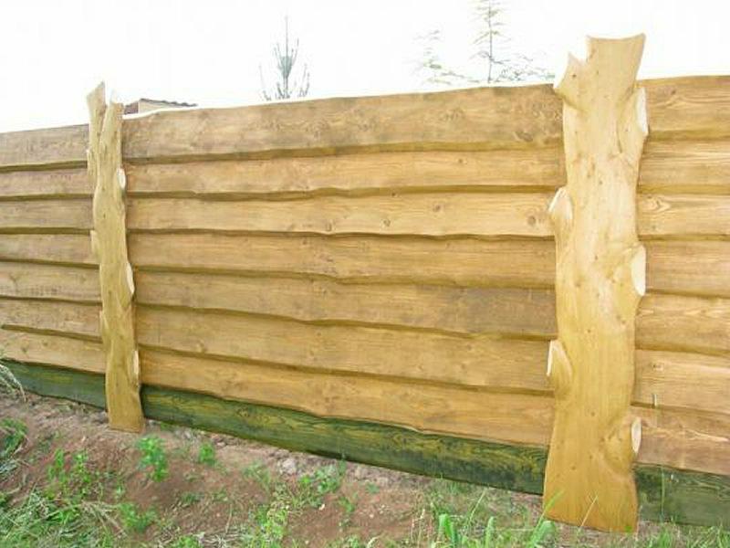 Как сделать красивый забор из горбыля своими руками