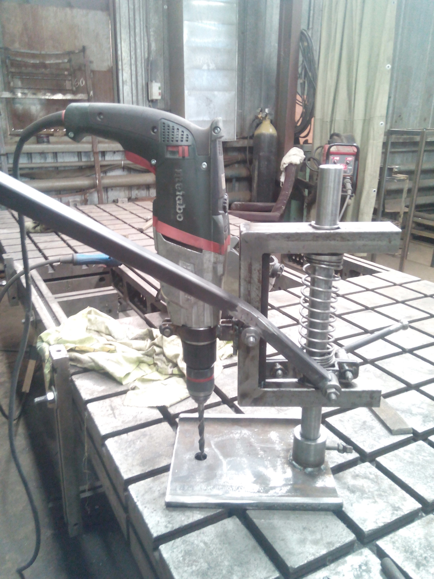 Cверлильный станок своими руками из дрели – чертежи, видео, фото