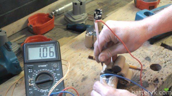 Как проверить аккумулятор шуруповерта: мультиметром на работоспособность, проверка литий-ионнной и никель-кадмиевой батареи, банки