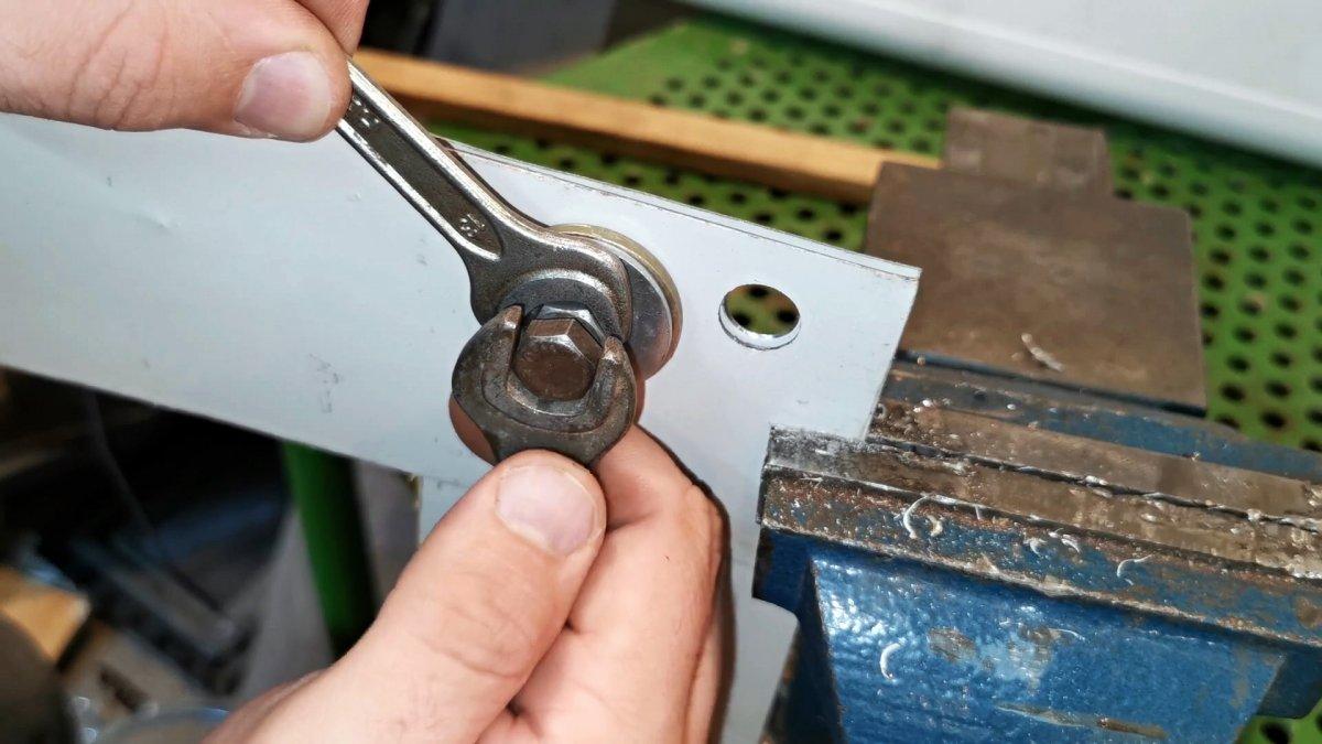 Методы удаления заклепок с рамы автомобиля. удаляем заклепки из металла