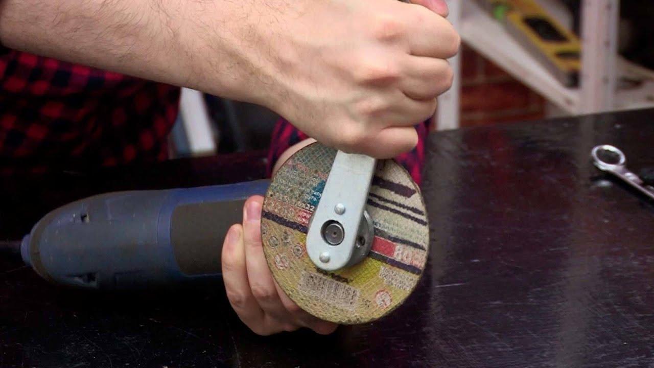 Самый простой способ снять диск с болгарки, который заклинил