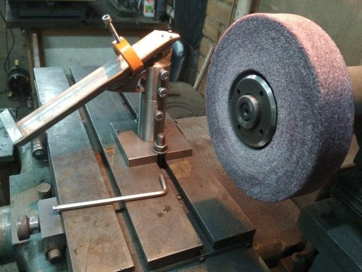 Станки для заточки сверл: по металлу и дереву, лучшие точилки, бытовые и другие точильные машины