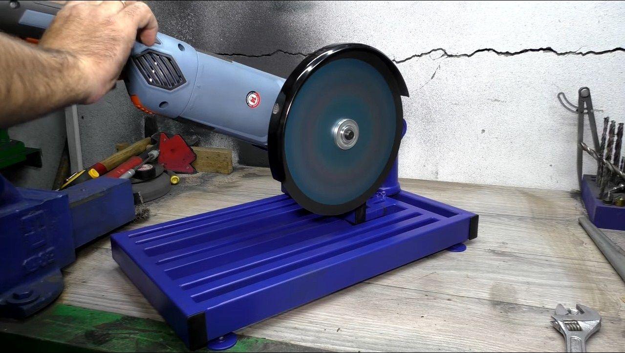 Диск для болгарки по металлу: зачистные круги 125 мм. как держать отрезную машинку и правильно ею резать? особенности приспособлений для стационарной модели