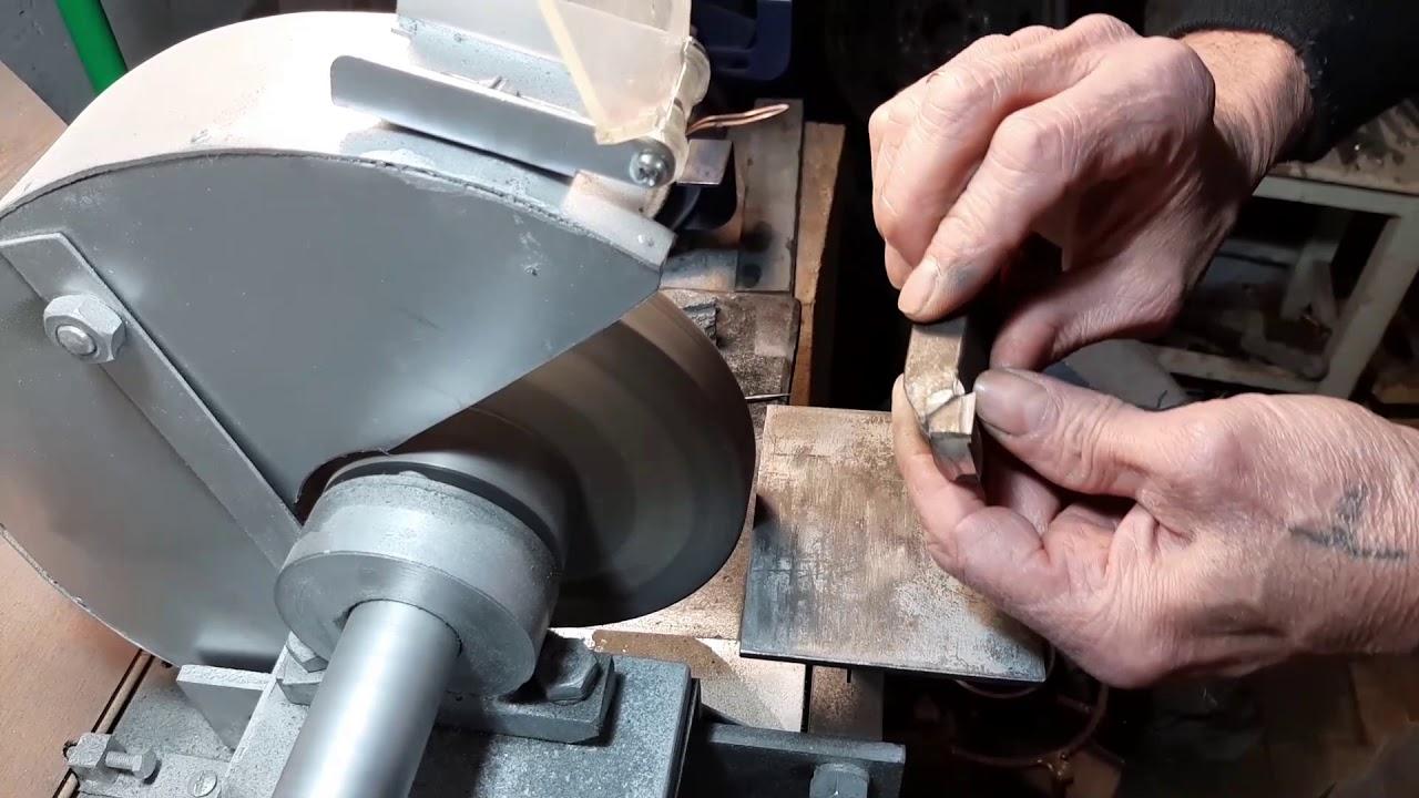 Заточка резцов для станка по металлу: способы, технология, видео