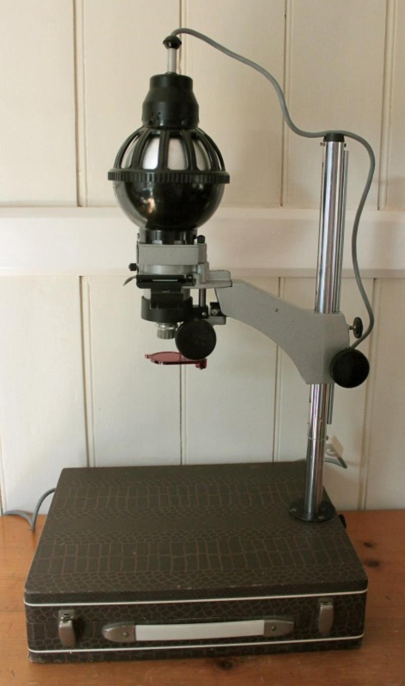 Сверлильный станок из фотоувеличителя и строительного миксера